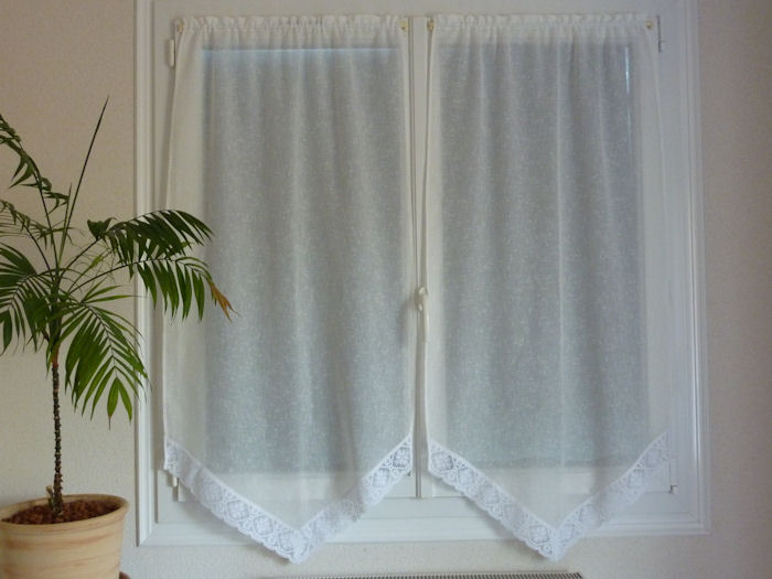 la couturi re d 39 c t. Black Bedroom Furniture Sets. Home Design Ideas